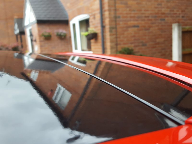 VW Golf – Gloss Black Roof Wrap